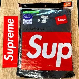 Supreme - 2x Tagless Tees - Men's M